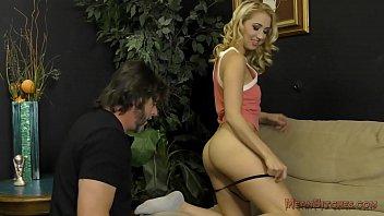 Brat Sierra Nicole Sells Her Panties And Makes Him Ass Worship 7分钟