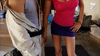 Mexican exterminator fucks MILF with huge tits Eva Karera!!! axxxteca