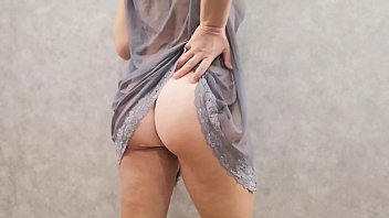 Pearl necklace is very exciting and pushes on kinky games with pussy.