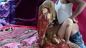 Coverसादी के बाद पड़ोसी की बीवी को चोरी से चोदा