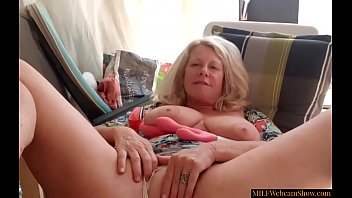 Sexy Granny With Big Tits Using Vibrator On Her Cunt