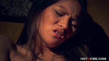 Slutload asian squirting - Squealing asian squirts