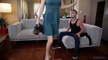 Giovana ramos transvestite Stefanie special consoles her boyfriend billie ramos