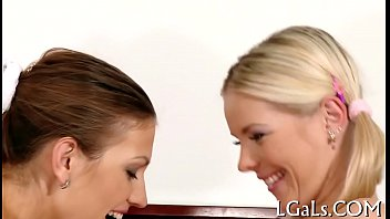 1st time lesbo experience