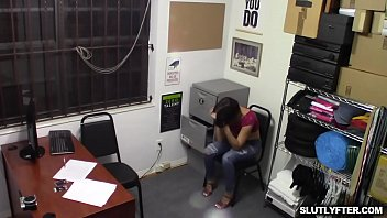 Studs rubbing Natalies hot clit while she grinds on top of his cock [상점에서 물건 훔치다 걸린 ShopLyfter]