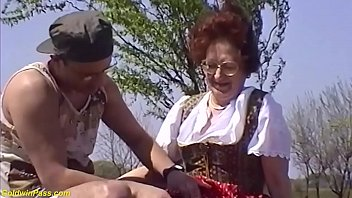 Deepthroat granny glasses - Hairy bush 75 years old mom brutal outdoor fucked