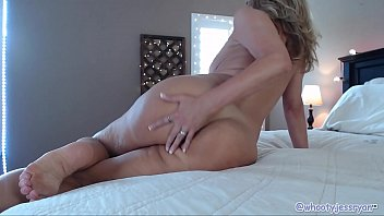 Hot Mature Mom On Cam Anal Fuck Show pornhub video