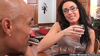 Soccer mom oral sex Soccer mom katrina isis gets cum shower