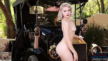 Hot naked blonde who looks - Marylin monroe tribute by russian milf blonde mosh