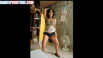 mommy from philipines dancing