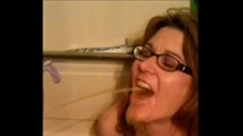 Women drinking golden showers Amateur wife drinks 2 guys piss