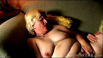 Chunky mature blonde is a super hot fuck and loves facials Image