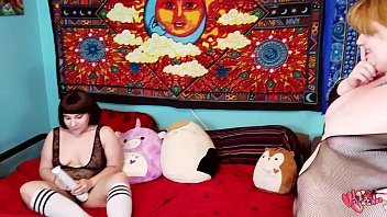 bbw Velma Voodoo CATCHES lilkiwwimonster -full on RED-