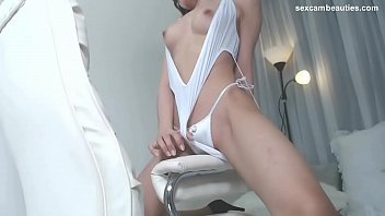 Busty Korean girl shows on cam - http://sexcambeauties.com缩略图
