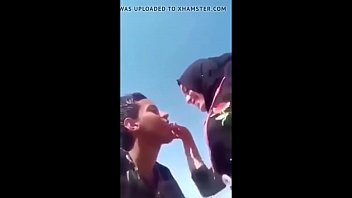 ام_خليجيه ينيكها سائق باص هندي_بعنف Video XNXX Porn