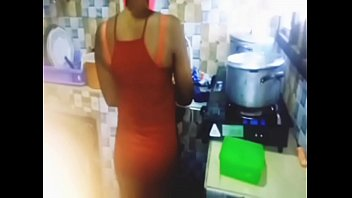 Streaming Video I slept with my cousin in my mother's kitchen - XLXX.video