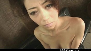 Hojo Maki hands and mouth get occupied with a stiff cock