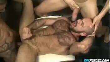 Climax with hot tongues kissing - Xavi Durán, Felipe Ferro, Manuel Galeno
