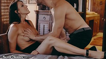 SweetSinner Drilling My Best Friends Hot MOM in His Bed!