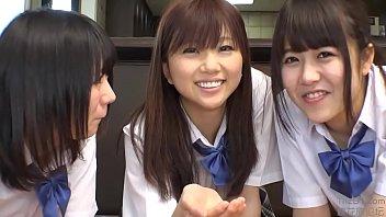 หนังเอ็กซ์สามสาวเด็กนักเรียนญี่ปุ่นพวกเธอมาช่วยกันอมควยอย่างเสียว