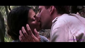 Penelope Cruz - Captain Corelli's Mandolin (2001) - Celebskin.pw