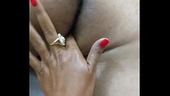 Meus dedos no cu delicioso do meu marido