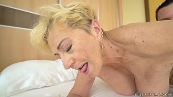 Licking mom ass - Old woman malya still needs a good fuck