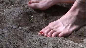 Maya Homerton foot fetish