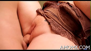 Free horney milfs - Sexy mama gets pleasure of ramrod