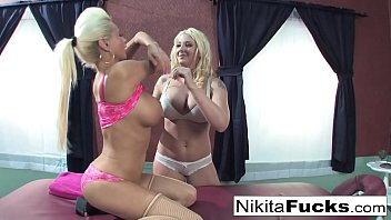 Nikita gets a relaxing massage form Leya