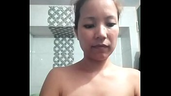 Woman accidentally goes live on Facebook before a shower  ENF preview image