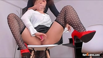 Co-worker Helps Office Slut Cum And Squirt