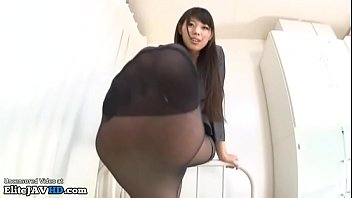Asian com idol Jav idol gives a nylon footjob - full at elivejavhd.com