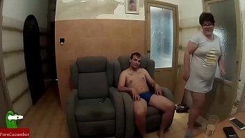 flujo vaginal entre sillones para la mujer gorda que necesita orgasmos con mucha ansia GUI047