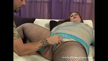 Amateur brunette plumper gets a hard cock in her ass thumbnail