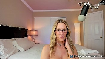 Private Sex Show with Camgirl Milf Jess Ryan