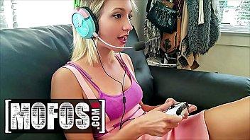 Smoking Babe (Eliza Jane) Is Getting Fuck While Playing Games - Mofos