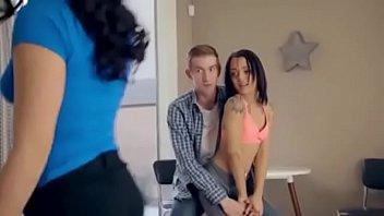 سكس مع اختة الممحونة porno izle