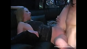 Girls fucking in limos Amateurs fucking in a limo