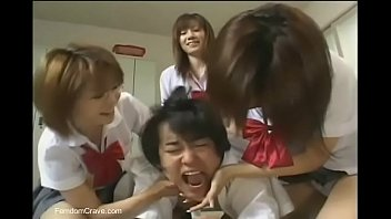 Japanese high school girls abusing new student