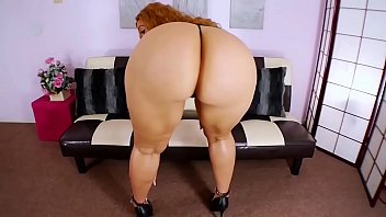 Kendra Is a Sexy Thick Big Booty Model With a Great Ass