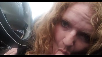 Streaming Video Dirty blowjob in my friend's car! - XLXX.video
