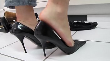 Cams4free.net - Black Sexy High Heels Shoeplay