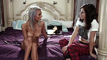 Busty Lesbian Couple Janice Griffith and April O'_Neil