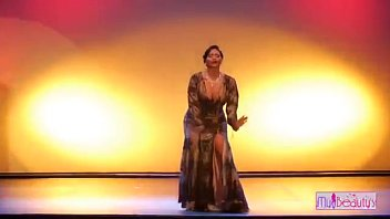 Super hot  dress removing dance on stage thumbnail