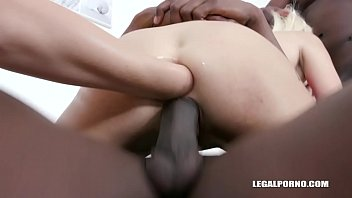 Anita Blanche loves to get fucked & fisted IV352