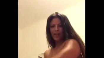 Mi tía me manda video desnudándose
