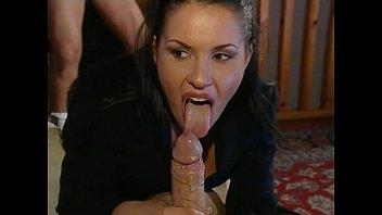 Jessica Gayle - Cagna italiana succhia e scopa due cazzi