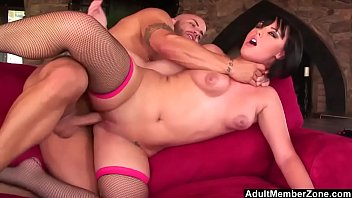 Adult short skis Short haired beauty gags and jumps on dick
