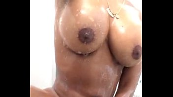 Girl masturbating in the bathroom. Download: https://ouo.io/0mP13j